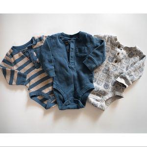 0-3 month thermal bodysuits Carter's bundle